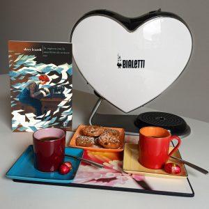"""Caffè d'autore con Desy Icardi e il suo ultimo romanzo """"La ragazza con la macchina da scrivere""""."""